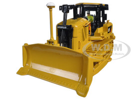 CAT Caterpillar D7E Track Type Tractor With Electric Drive with Operator 1/50 Diecast Model Diecast Masters 85224