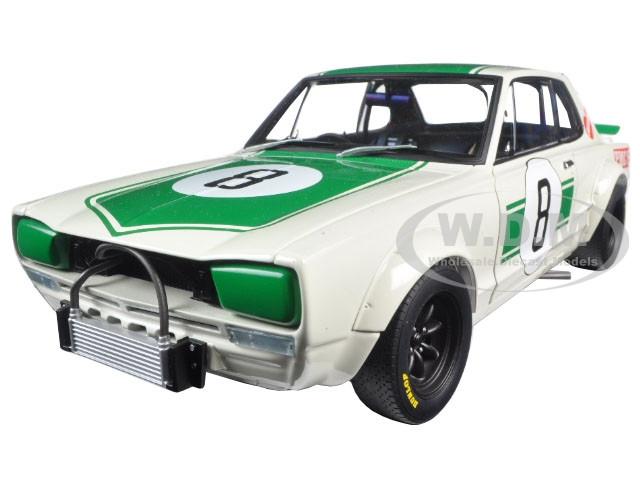 Nissan Skyline GT-R (KPGC10) Racing 1971 Masahiro Hasemi #8 Japan GP 2nd Place 1/18 Diecast Model Car Autoart 87177