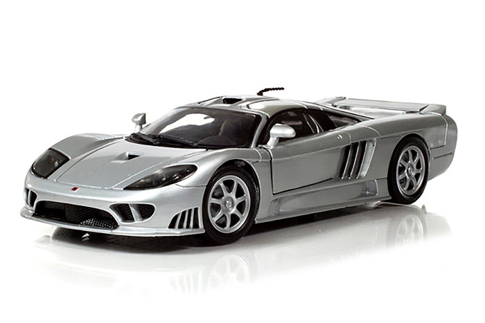 Saleen S7 Silver 1/18 Diecast Model Car Motormax 73117