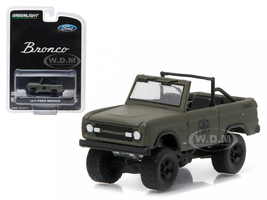 "1977 Ford Bronco Military Tribute ""Sarge 77"" Hobby Exclusive 1/64 Diecast Model Car Greenlight 29842"