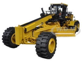 CAT Caterpillar 24M Motor Grader with Operator Core Classics Series 1/50 Diecast Model Diecast Masters 85264 C