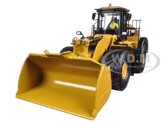 CAT Caterpillar 982M Wheel Loader with Operator High Line Series 1/50 Diecast Model Diecast Masters 85292