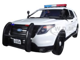 2015 Ford PI Utility Interceptor Plain White Police Car with Light Bar 1/18 Diecast Model Car Motormax 73541
