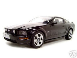 2005 Ford Mustang Black GT 1 Of 6000 Made 1/18 Diecast Model Car Autoart 73015