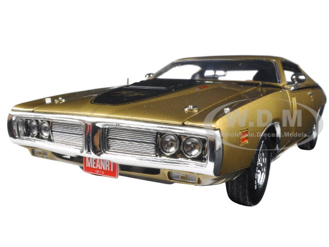 1971 Dodge Charger R/T 50th Anniversary Metallic Gold Limited Edition to 1002pc 1/18 Diecast Model Car Autoworld AMM1086
