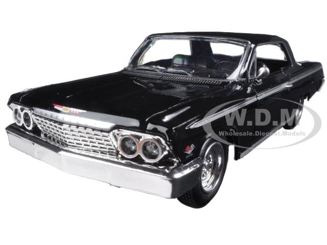 1962 Chevrolet Impala SS Black 1/24 Diecast Model Car New Ray 71843