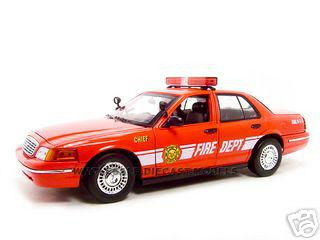 2001 Ford Crown Victoria Fire Chief Car 1/18 Diecast Model Car Motormax 73530