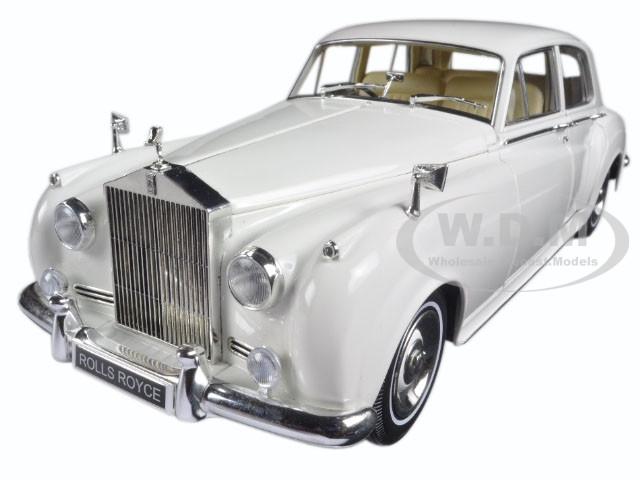 1960 Rolls Royce Silver Cloud II White 1/18 Diecast Model Car Minichamps 100134900