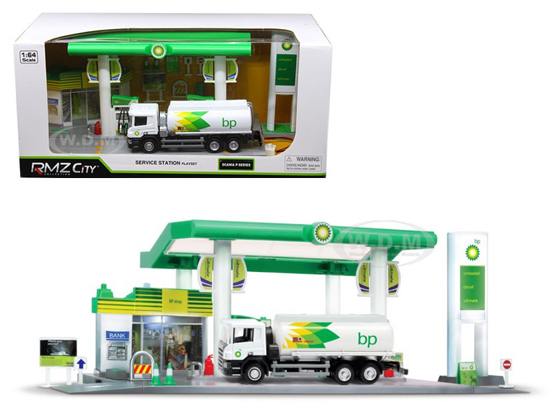 Scania P-Series BP Tanker Truck White BP Service Gas Station Diorama 1/64 Diecast Model RMZ City 24444