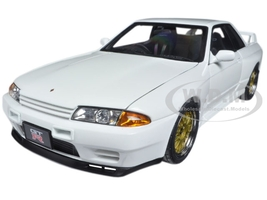 Nissan Skyline GT-R (R32) V-Spec II Tuned Version Crystal White 1/18 Diecast Model Car Autoart 77416