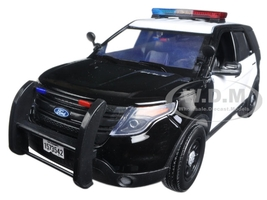 2015 Ford Police Interceptor Utility Black and White with Flashing Light Bar, Front and Rear Lights and 2 Sounds 1/18 Diecast Model Car Motormax 73996