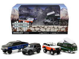Motor World Diorama Set Rocky Mountain Trail Climb 4pcs Set 1/64 Diecast Model Cars Greenlight 58038