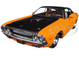 "1970 Dodge Challenger R/T Orange ""Classic Muscle"" 1/24 Diecast Model Car Maisto 32518"