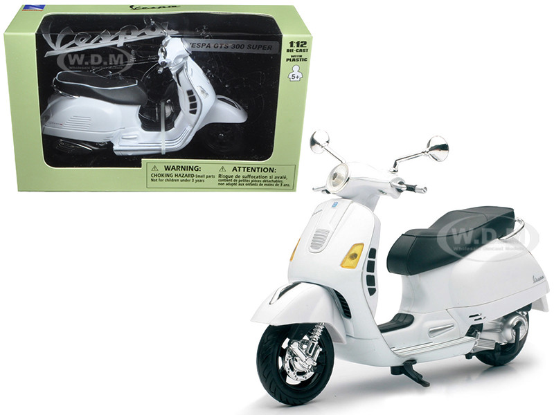 Vespa GTS 300 Super White Motorcycle 1/12 New Ray 57243B