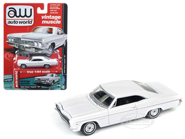 1966 Chevrolet Impala Gloss White 1/64 Diecast Model Car Autoworld 64072 A