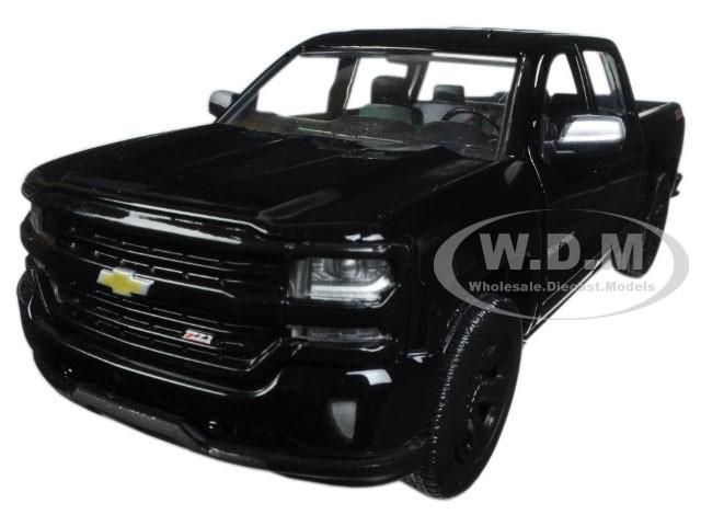 2017 Chevrolet Silverado 1500 LT Z71 Crew Cab Black 1/24 Diecast Model Car Motormax 79348