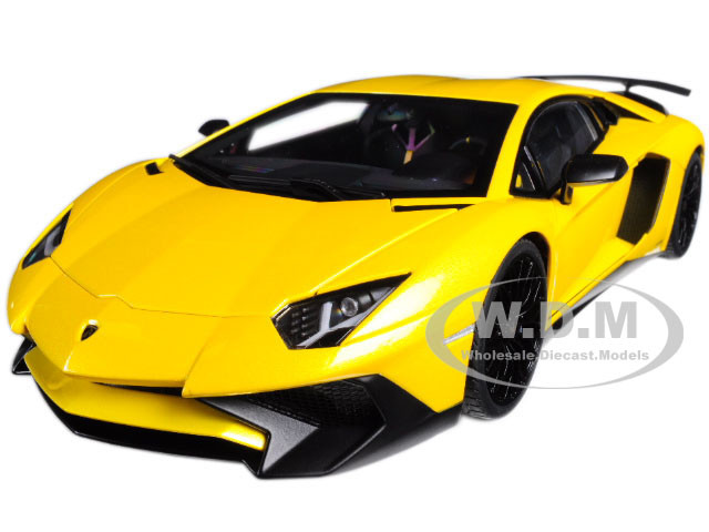 Lamborghini Aventador LP750-4 SV New Giallo Orion/ Metallic Yellow 1/18 Model Car Autoart 74558
