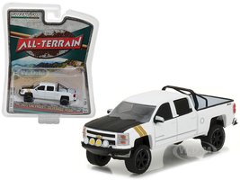 "2015 Chevrolet Silverado 1500 White Pickup Truck ""All Terrain"" Series 5 1/64 Diecast Model Car Greenlight 35070 E"