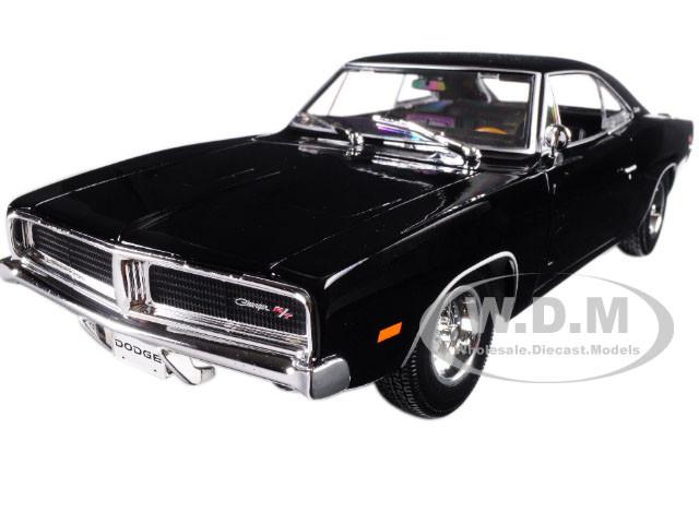 1969 Dodge Charger R T Black 1 18 Diecast Model Car Maisto 31387