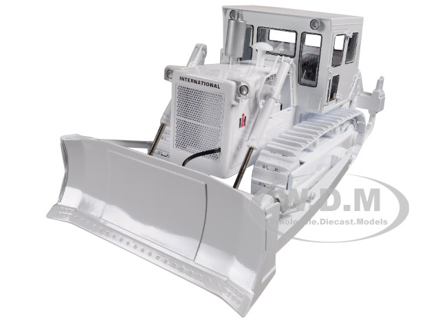 International Harvester TD-25 Dozer with Enclosed Cab and Ripper White 1/25 Diecast Model First Gear 49-0398
