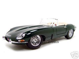 1961 Jaguar E Type Convertible Green 1/18 Diecast Model Car Bburago 12046