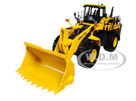 Komatsu WA600-6 Wheel Loader 1/50 Diecast Model First Gear 50-3205