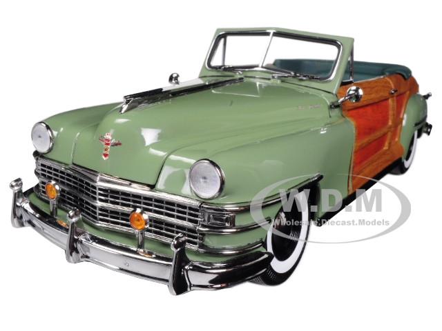 1948 Chrysler Town & Country Heather Green 1/18 Diecast Model Car Sunstar 6142