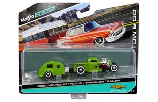 1936 Chevrolet Pickup Green and Traveler Trailer Tow & Go 1/64 Diecast Model Maisto 15368 N
