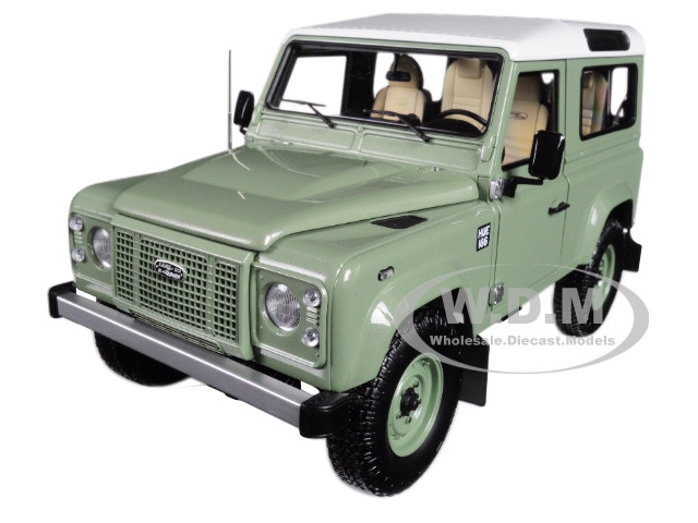 2015 Land Rover Defender 90 Grasmere Green White Top Heritage Edition 1/18 Diecast Model Car Almost Real 810204