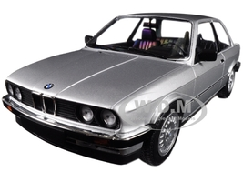 1982 BMW 323i Silver Limited Edition to 702 pieces Worldwide 1/18 Diecast Model Car Minichamps 155026001