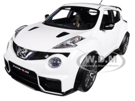 Nissan Juke R 2.0 White 1/18 Model Car Autoart 77456