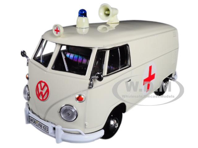 Volkswagen Type 2 (T1) Ambulance Cream 1/24 Diecast Model by Motormax
