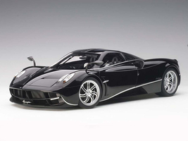 Pagani Huayra Gloss Black with Silver Stripes and Silver Wheels 1/12 Model Car Autoart 12233