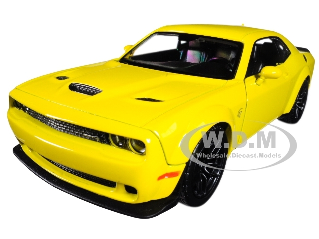 2 pack 2018 Dodge Challenger SRT HELLCAT Diecast 1:24 Motormax 8 inch YELLOW