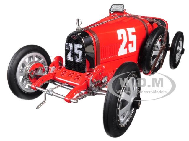 Bugatti T35 #25 National Colour Project Grand Prix Portugal Limited Edition 500 pieces Worldwide 1/18 Diecast Model Car CMC 100B009