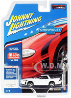 2002 Chevrolet Camaro ZL1 427 Arctic White Black Stripes Muscle Cars USA Limited Edition 2016 pieces Worldwide 1/64 Diecast Model Car Johnny Lightning JLCP7139