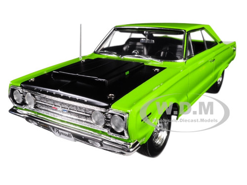 1967 Plymouth Belvedere GTX Limelight Green Black Hood Limited Edition 552 pieces Worldwide 1/18 Diecast Model Car Acme A1806703