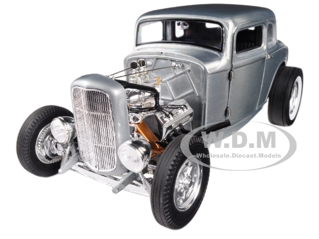 1932 Ford 5 Window Hot Rod Coupe Hammered Steel Limited Edition 774 pieces Worldwide 1/18 Diecast Model Car Acme A1805013