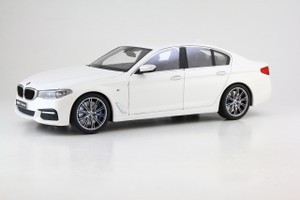 BMW 5 Series G30 Mineral White 1/18 Diecast Model Car Kyosho 8941 W0