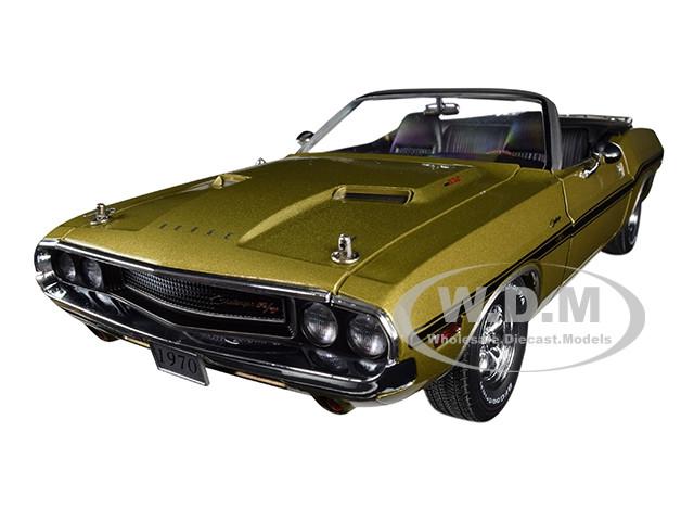 1970 Dodge Challenger R/T Convertible Luggage Rack Metallic Gold Black Stripes 1/18 Diecast Model Car Greenlight 13527
