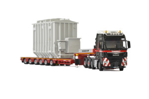 MAN TGX XXL 8x4 Mammoet Truck 6 Axle Low Loader Trailer Transformer 1/50 Diecast Model WSI Models 410221