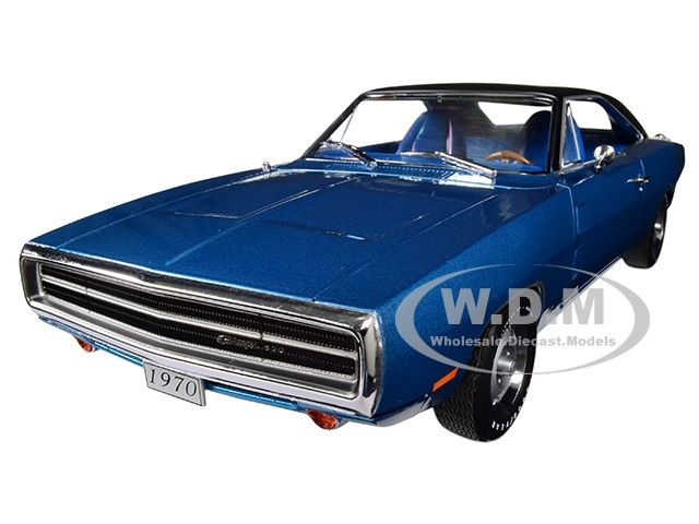 Blue Dodge Charger >> 1970 Dodge Charger 500 Blue With Black Top 1 18 Diecast Model Car By Greenlight