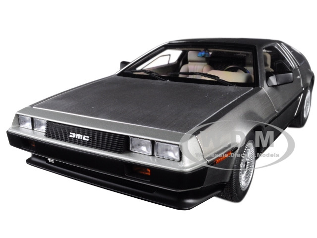 DeLorean DMC 12 Satin Silver 1/18 Model Car Autoart 79916
