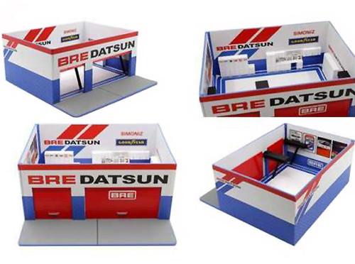 Mechanic's Corner Brock Racing Enterprises BRE Weekend Workshop Diorama Limited Edition 1800 pieces Worldwide 1/64 Scale Models Greenlight 51162
