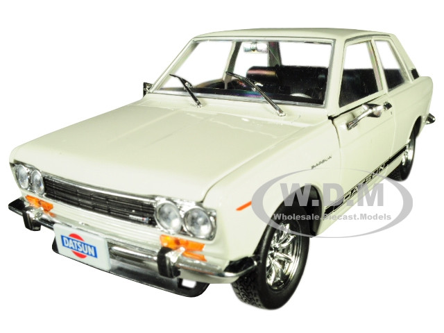 1970 Datsun 510 Auto-Japan Gloss Black with Bright Red Stripes 1//24 Diecast Model Car by M2 Machines 40300-JPN01 A