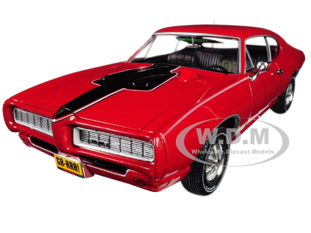 1968 Pontiac Royal Bobcat GTO Class 68 50th Anniversary Code R Solar Red Limited Edition 1002 pieces Worldwide 1/18 Diecast Model Car Autoworld AMM1153