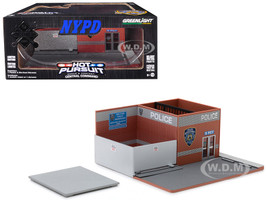 Hot Pursuit Central Command New York City Police Department NYPD Mechanic's Corner Series 4 Diorama 1/64 Scale Models Greenlight 57042