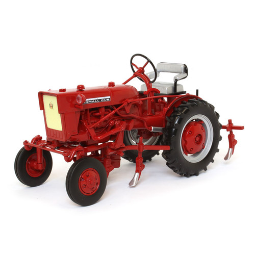 International Harvester Farmall Cub Tractor Cultivator Classic Series 1/16 Diecast Model Speccast ZJD1816