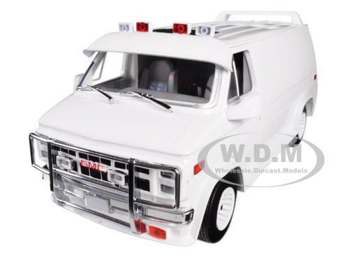 1983 GMC Vandura Custom White 1/18 Diecast Model Car Greenlight 13522