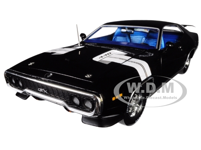 1971 Plymouth GTX Hardtop Black Velvet White Stripes Limited Edition 1002 pieces Worldwide 1/18 Diecast Model Car Autoworld AMM1133